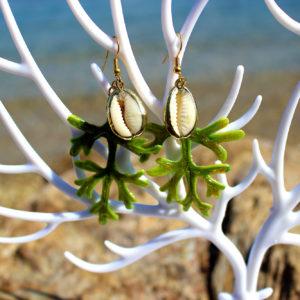 """Boucles d'oreille """"Cypraea doré"""" - Boucles d'oreille de sirène - Bijoux Galatée Merveilles - bijoux de sirène - bijoux coquillage - bijoux fantaisies"""