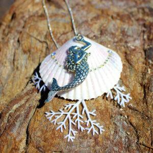 """collier """"partir là-bas"""" - bijoux galatée merveilles - colliers de sirène - pendentif de sirène - bijoux de sirène - flacon de sirène - bijoux de coquillage - bijoux fantaisies"""
