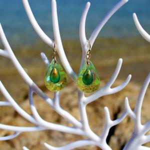 """Boucles d'oreille """"Gouttes verte"""" - boucles d'oreille de sirène - bijoux Galatée Merveilles - bijoux de sirène - bijoux coquillage - bijoux fantaisies"""