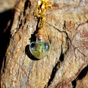 "Pendentif ""Hyppo coeur"" - bijoux galatée merveilles - pendentif de sirène - bijoux de sirène - flacon de sirène - bijoux de coquillage - bijoux fantaisies - colliers de sirène"
