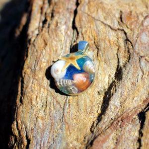 """médaillon """"Blue"""" - bijoux galatée merveilles - médaillon de sirène - pendentif de sirène - bijoux de sirène - flacon de sirène - bijoux de coquillage - bijoux fantaisies - colliers de sirène"""